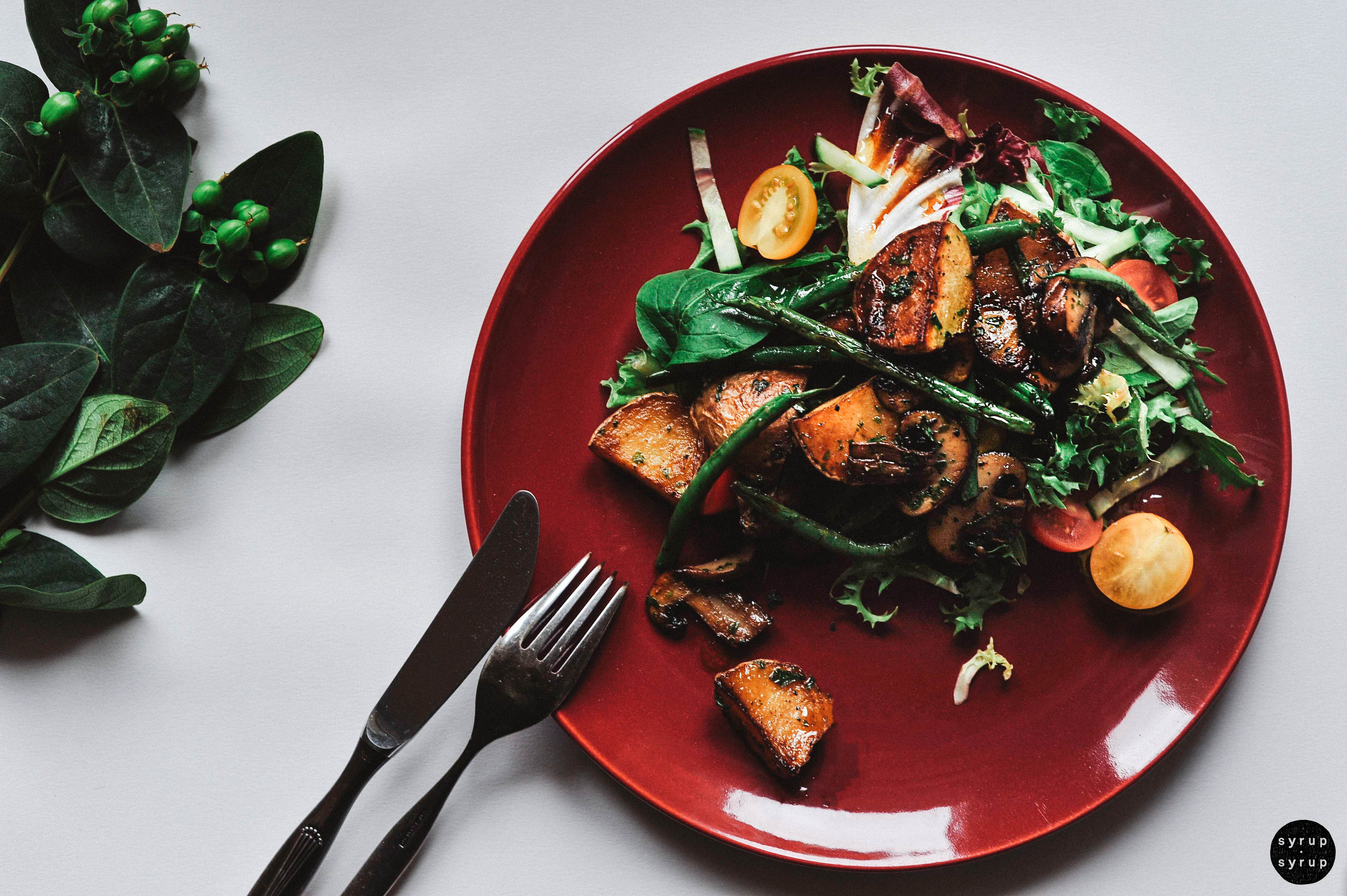 veganer salat 01 1 - Großer Salat mit gebratenen Kartoffeln