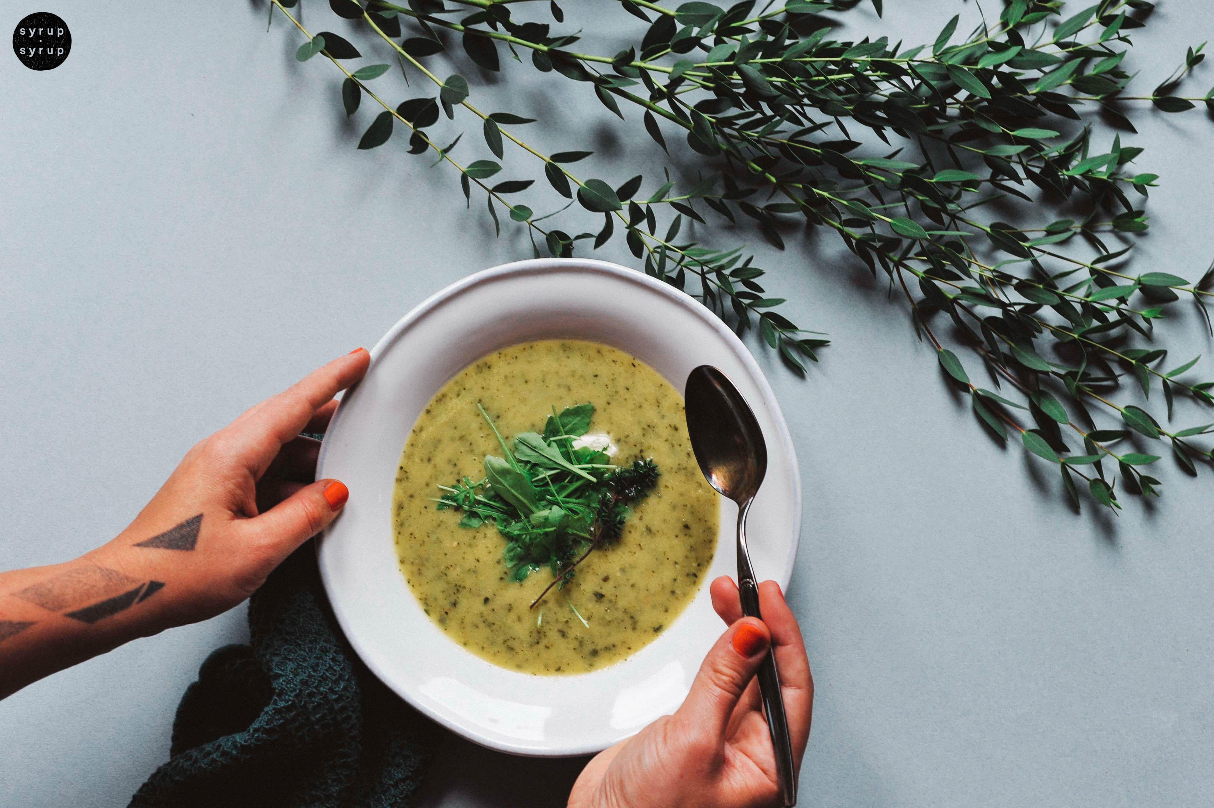 vegane zucchini suppe 06 1 - Cremige Zucchinisuppe