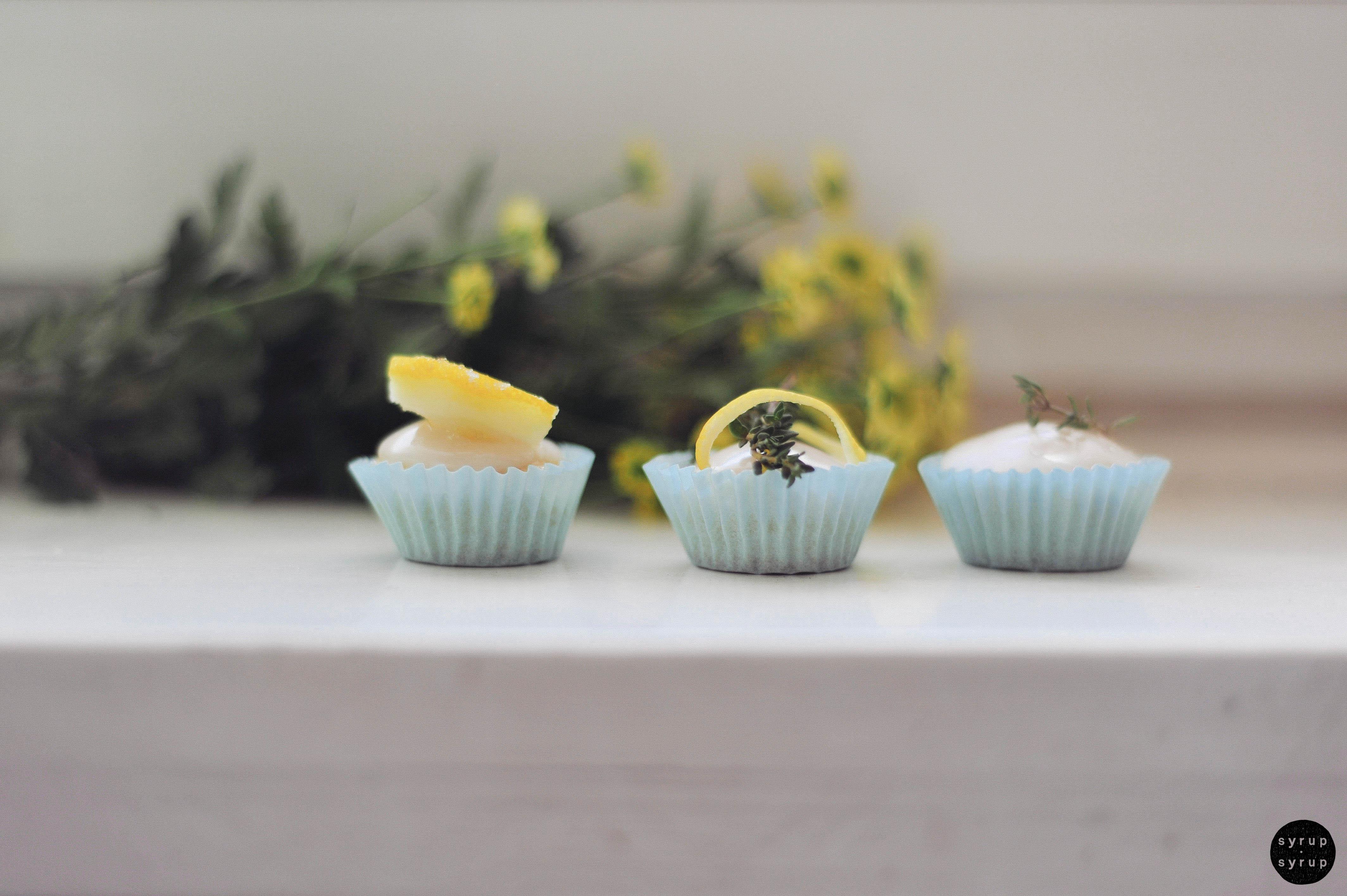 vegane muffins 08 final - Zitronenmuffins mit Thymian
