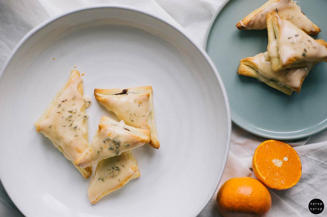 vegane blaetterteigtaschen 02 - Schnelle Blätterteigtaschen mit Schoki und Lavendel